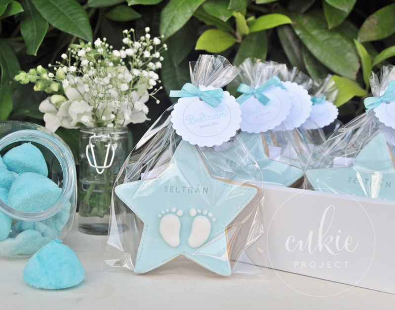 Galletas decoradas bautizos - Modelo Estrella con huellas de Bebé - Cukie Project